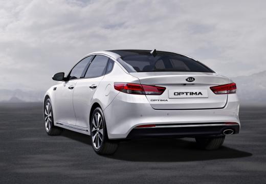 KIA Optima VI sedan biały tylny lewy
