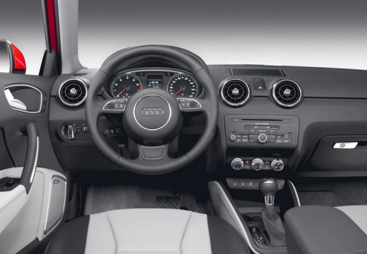 AUDI A1 I hatchback tablica rozdzielcza