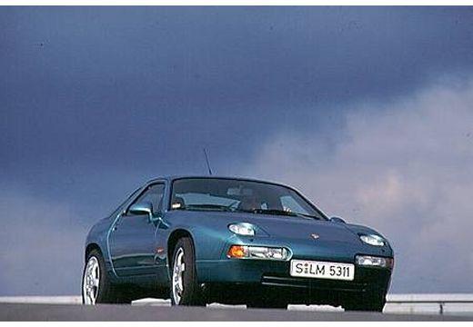 PORSCHE 928 coupe niebieski jasny przedni prawy
