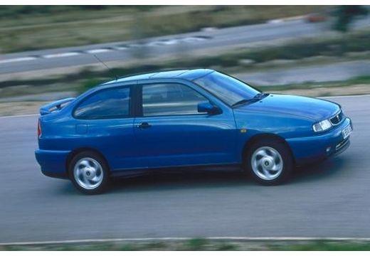 SEAT Cordoba SX I coupe niebieski jasny przedni prawy
