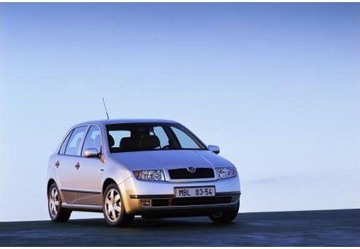 SKODA Fabia 1.4 16V Ambiente aut Hatchback II 75KM (benzyna)