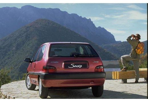 CITROEN Saxo hatchback czerwony jasny tylny