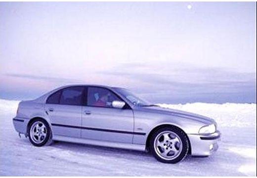 BMW Seria 5 E39 sedan silver grey boczny prawy