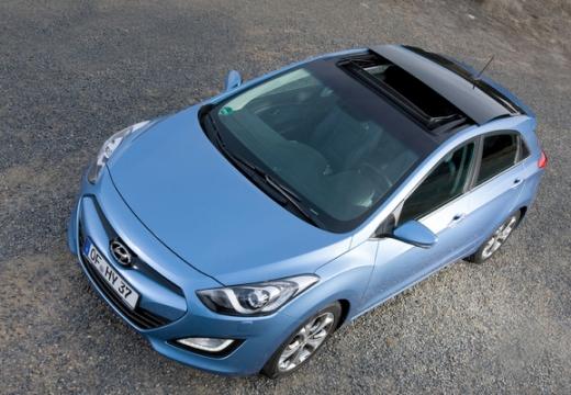 HYUNDAI i30 III hatchback niebieski jasny przedni lewy
