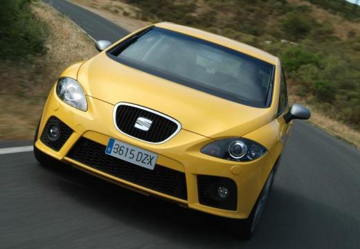 SEAT Leon II hatchback żółty przedni