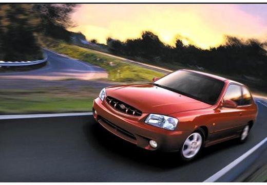 HYUNDAI Accent II hatchback czerwony jasny przedni lewy