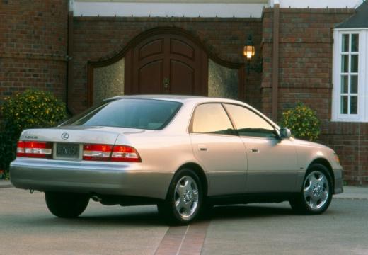 LEXUS ES 300 I sedan silver grey tylny prawy