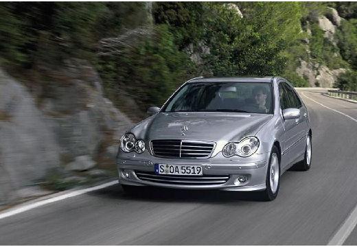 MERCEDES-BENZ Klasa C sedan silver grey przedni lewy