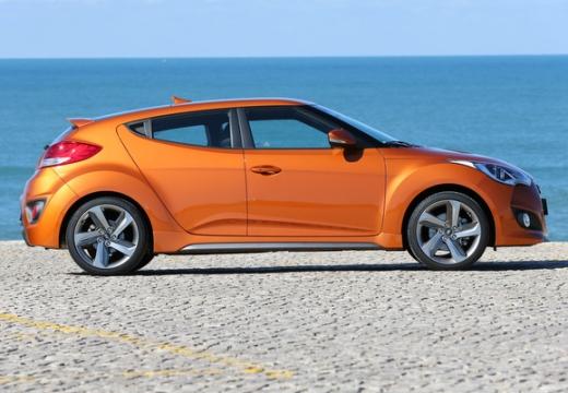 HYUNDAI Veloster I coupe pomarańczowy boczny prawy