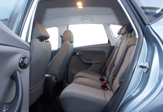 SEAT Altea I hatchback niebieski jasny wnętrze