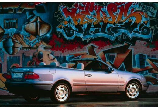 MERCEDES-BENZ Klasa CLK CLK Cabriolet A 208 kabriolet niebieski jasny tylny prawy