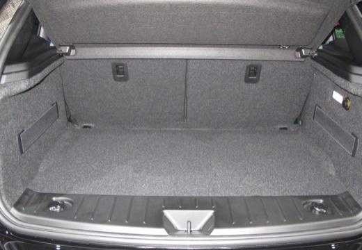 BMW i3 I01 II hatchback przestrzeń załadunkowa