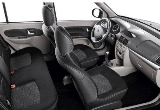 RENAULT Thalia sedan wnętrze