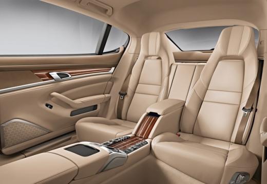 PORSCHE Panamera II hatchback wnętrze