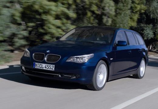 BMW Seria 5 kombi niebieski jasny przedni lewy