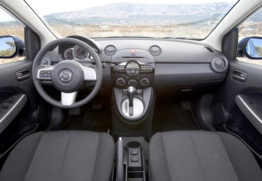 MAZDA 2 III hatchback tablica rozdzielcza