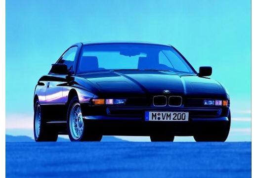 BMW Seria 8 coupe niebieski jasny przedni prawy
