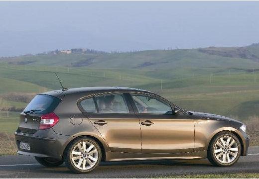 BMW Seria 1 E87 I hatchback brązowy tylny prawy