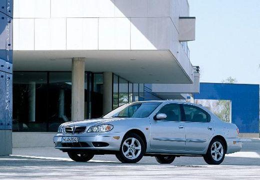 NISSAN Maxima QX II sedan silver grey przedni lewy