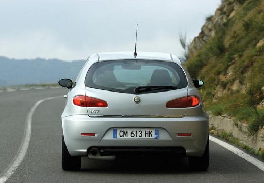 ALFA ROMEO 147 hatchback silver grey tylny