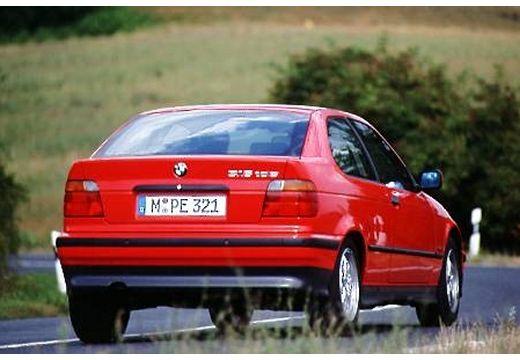 BMW Seria 3 Compact E36 hatchback czerwony jasny tylny prawy