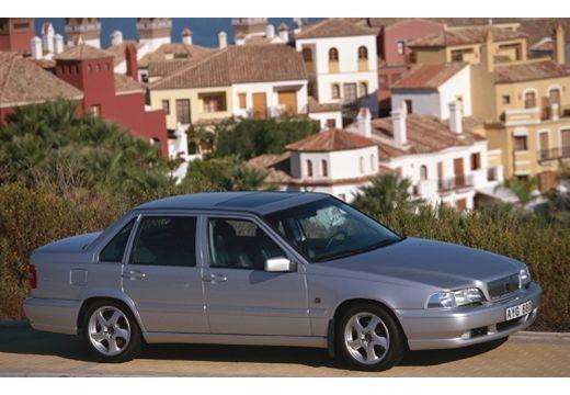 VOLVO S70 sedan przedni prawy