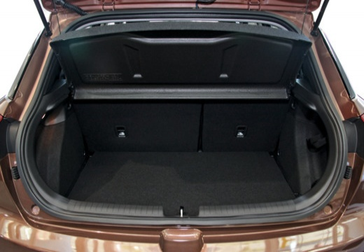 HYUNDAI i20 III hatchback brązowy przestrzeń załadunkowa