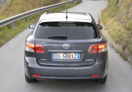 Toyota Avensis V kombi silver grey tylny