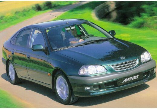 Toyota Avensis Liftback I hatchback zielony przedni prawy