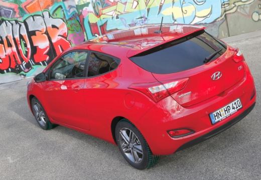 HYUNDAI i30 III hatchback czerwony jasny tylny lewy