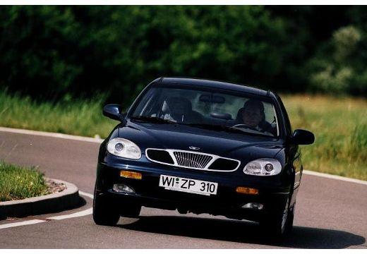 DAEWOO / FSO Leganza sedan czarny przedni