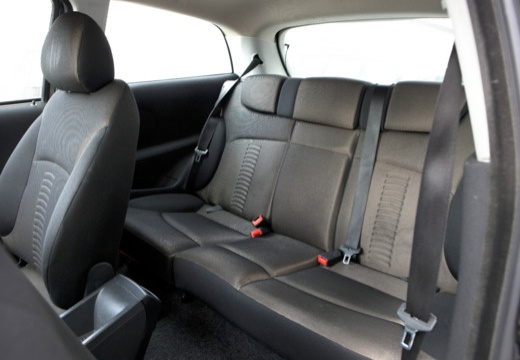 FIAT Stilo III hatchback czarny wnętrze
