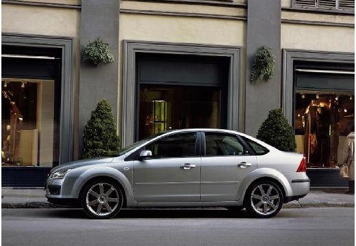 FORD Focus III sedan silver grey boczny lewy