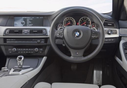 BMW Seria 5 F10 II sedan tablica rozdzielcza