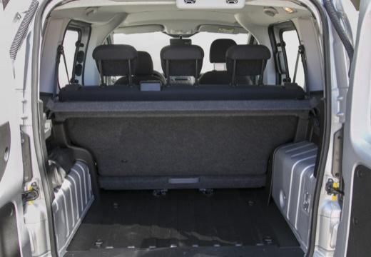 FIAT Fiorino kombi silver grey przestrzeń załadunkowa