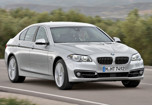 BMW Seria 5 F10 II sedan silver grey przedni prawy