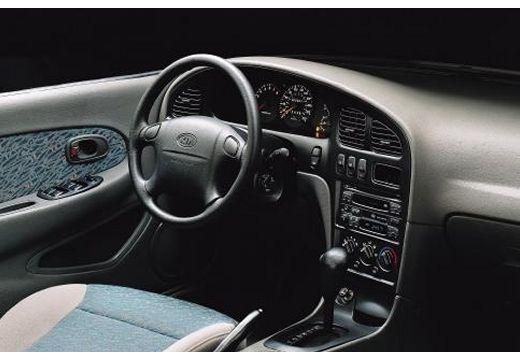 KIA Shuma hatchback tablica rozdzielcza