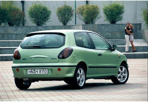 FIAT Bravo I hatchback zielony tylny prawy