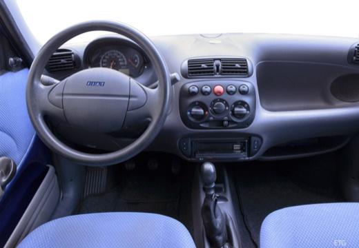 FIAT 600 hatchback czarny tablica rozdzielcza