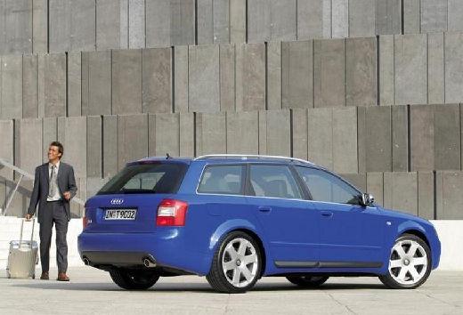 AUDI A4 Avant 8E I kombi niebieski jasny tylny prawy