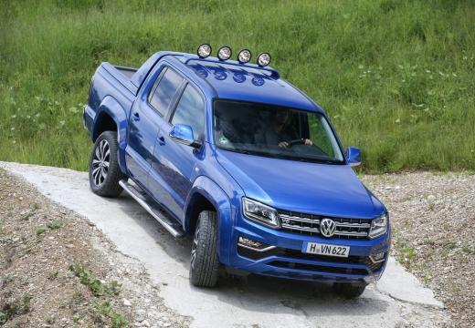VOLKSWAGEN Amarok II pickup niebieski jasny przedni lewy