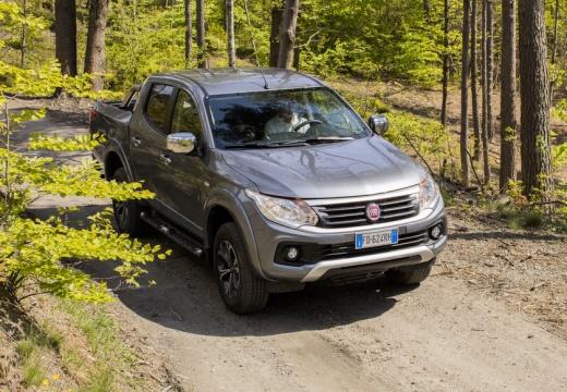 FIAT Fullback pickup szary ciemny górny przedni