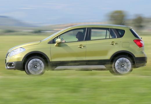 SUZUKI SX4 S-cross I hatchback złoty boczny lewy