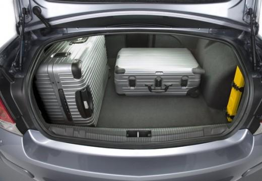 OPEL Astra III sedan przestrzeń załadunkowa
