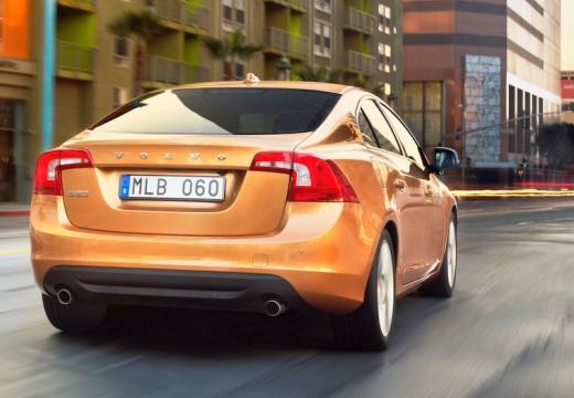 VOLVO S60 sedan pomarańczowy tylny prawy