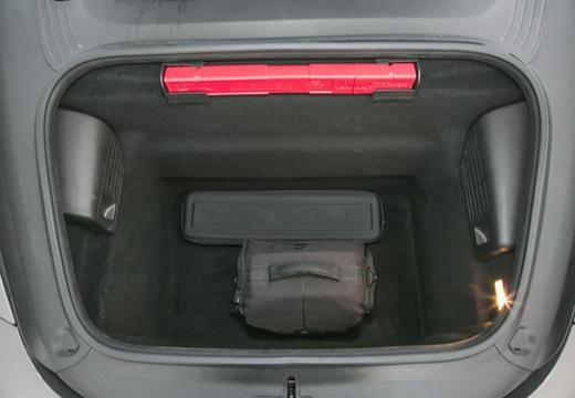 PORSCHE 911 991 I coupe przestrzeń załadunkowa