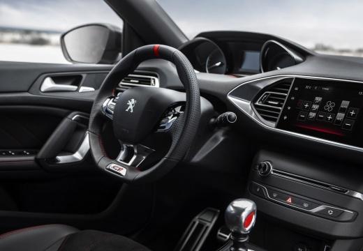 PEUGEOT 308 III hatchback czerwony jasny wnętrze