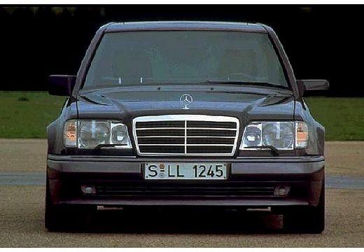 MERCEDES-BENZ Klasa E W124 sedan czarny przedni