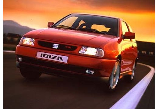SEAT Ibiza II hatchback czerwony jasny przedni lewy