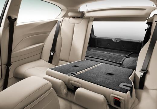BMW Seria 1 F21 I hatchback wnętrze